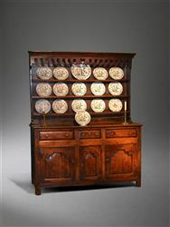 An early 18th century North Wales dresser and rack